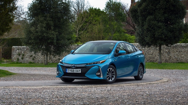 Toyota Plug In Hybrid >> Toyota Prius Plug In Hybrid Price And Specifications Ev